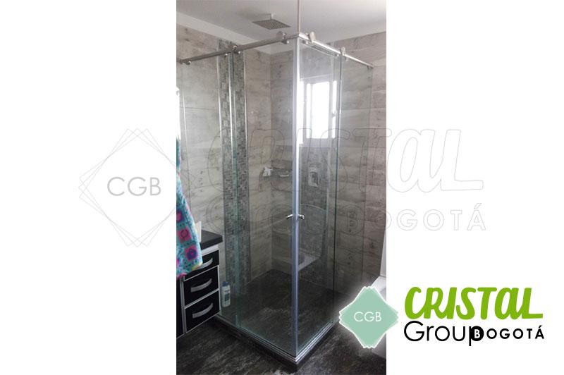 Division-en-vidrio-templado-para-baño-con-sitema-de-corredera3