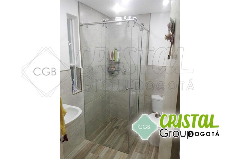 Division-en-vidrio-templado-para-baño-con-sitema-de-corredera6