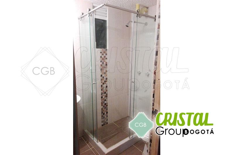 Division-en-vidrio-templado-para-baño-con-sitema-de-corredera8