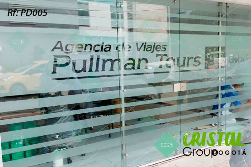 Pelicula-decorativa-para-division-de-oficina-en-vidrio-frosted2