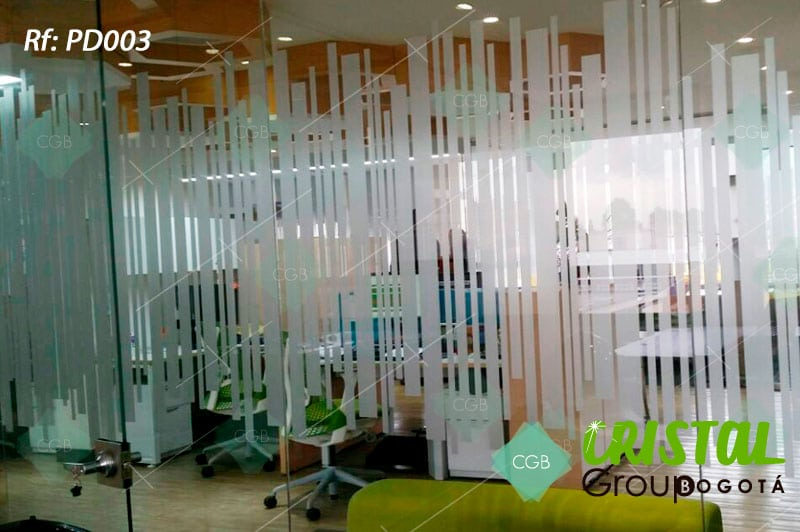 Pelicula-decorativa-para-division-de-oficina-en-vidrio-frosted3