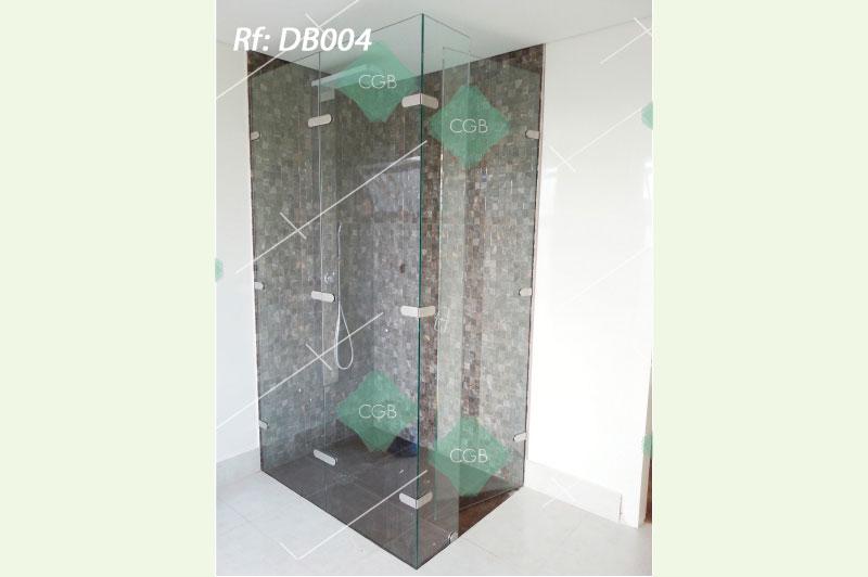 division-para-baño-en-vidrio-con-accesorios-en-acero-tipo-batiente