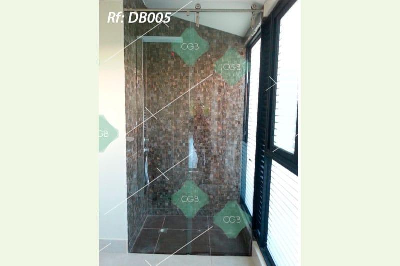 division-para-baño-en-vidrio-con-accesorios-en-acero-tipo-corredera