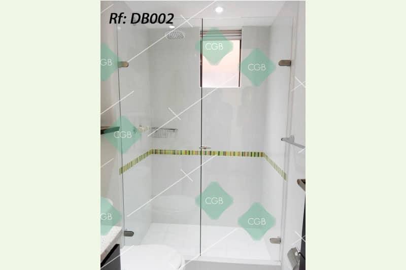 division-para-baño-en-vidrio-con-accesorios-en-acero2