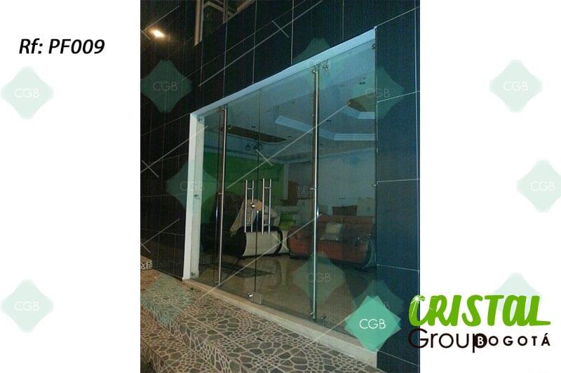 puerta-fachada-en-vidrio-templado-con-accesorios-en-acero3