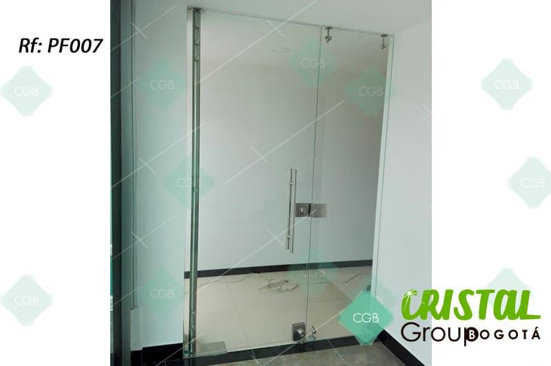 puerta-fachada-en-vidrio-templado-con-accesorios-en-acero4