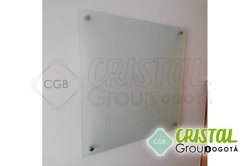 Tablero-en-vidrio-para-oficina-con-fondo-opalizado5