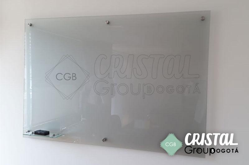 Tablero-en-vidrio-para-oficina-con-vinilo-frosted2